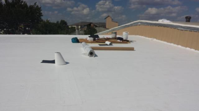 Tpo Roof On Industrial Warehouse Azle Texas Roof